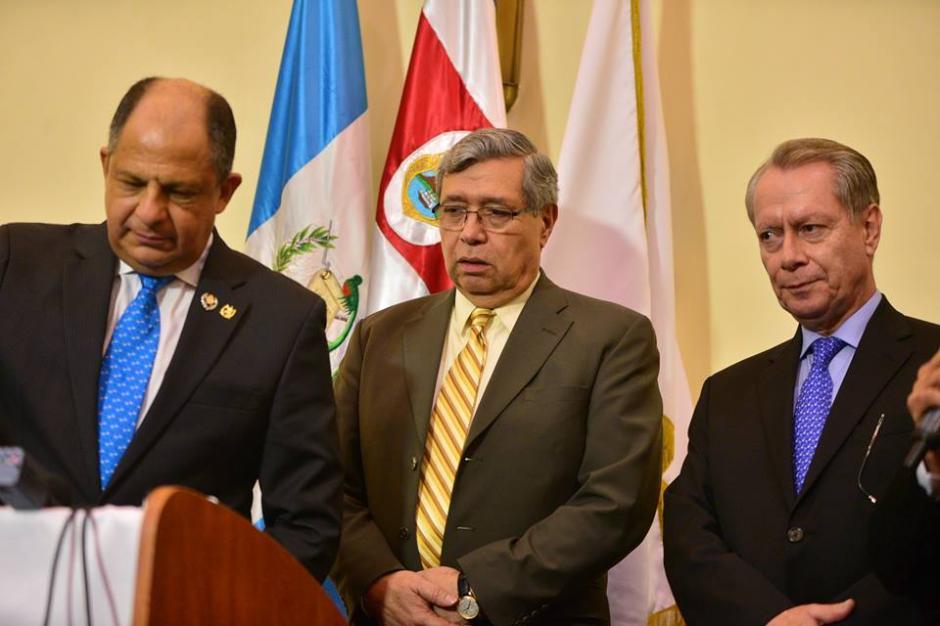 Al finalizar el evento ofrecieron declaraciones a los medios de comunicación. (Foto: Wilder López/Soy502)