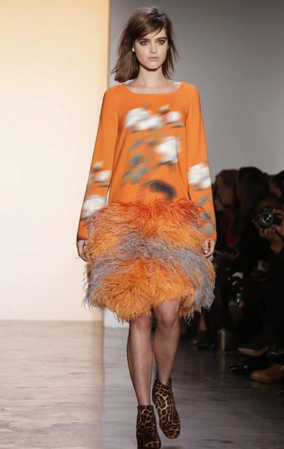 Esta mezcla de plumas, estampados y leopardo imprime diversión a tu estilo. (NowFashion)