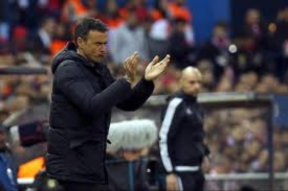 Luis Enrique el técnico del Barcelona durante el juego. (Foto: EFE)