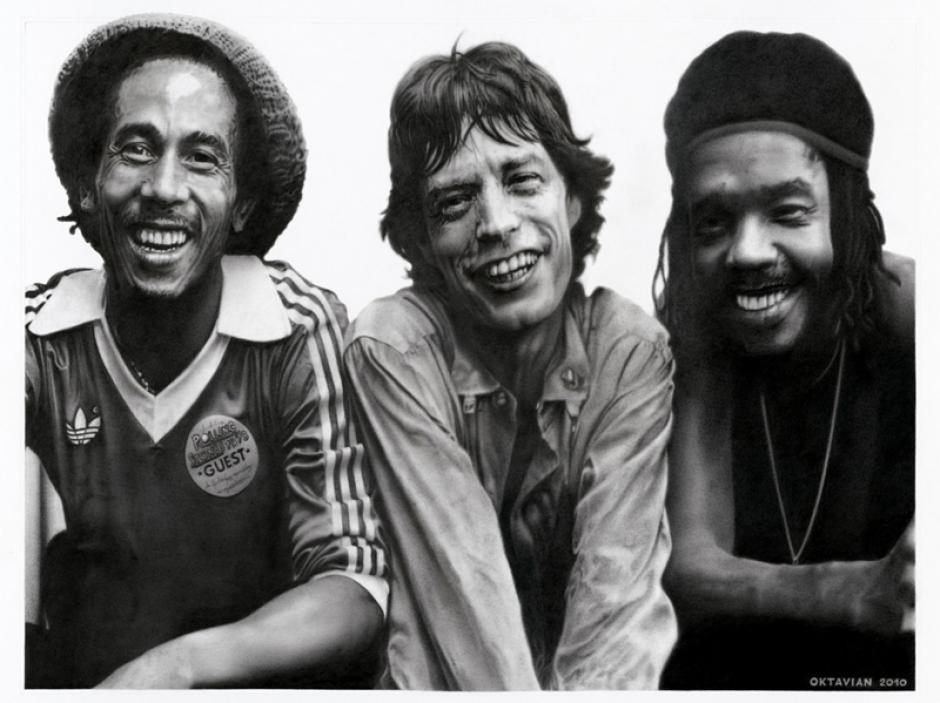 Una fotografía histórica que muestra a Bob Marley, Mick Jagger y Peter Tosh, durante una gira de los Wailers por Inglaterra