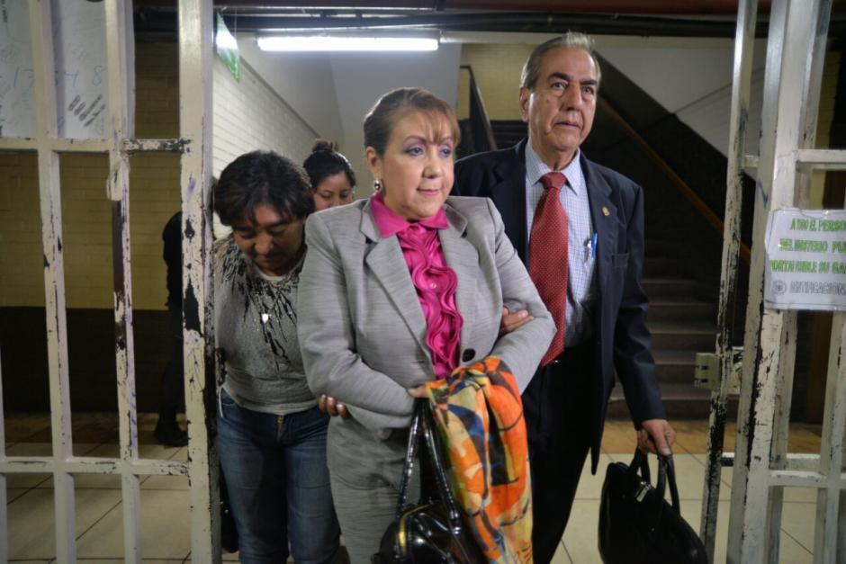 La magistrada Blanca Stalling salió de la Torre de Tribunales. (Foto: Wilder López/Soy502)
