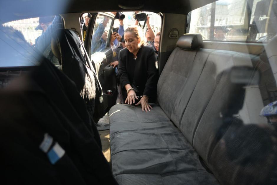 Así fue como ingresó Stalling a la patrulla que la lleva al Mariscal Zavala. (Foto: Wilder López/Soy502)