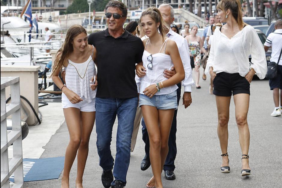 La familia Stallone ha hecho paradas en Saint Tropez, Mónaco, Venecia y Portofino. (Foto: Revista Hola)