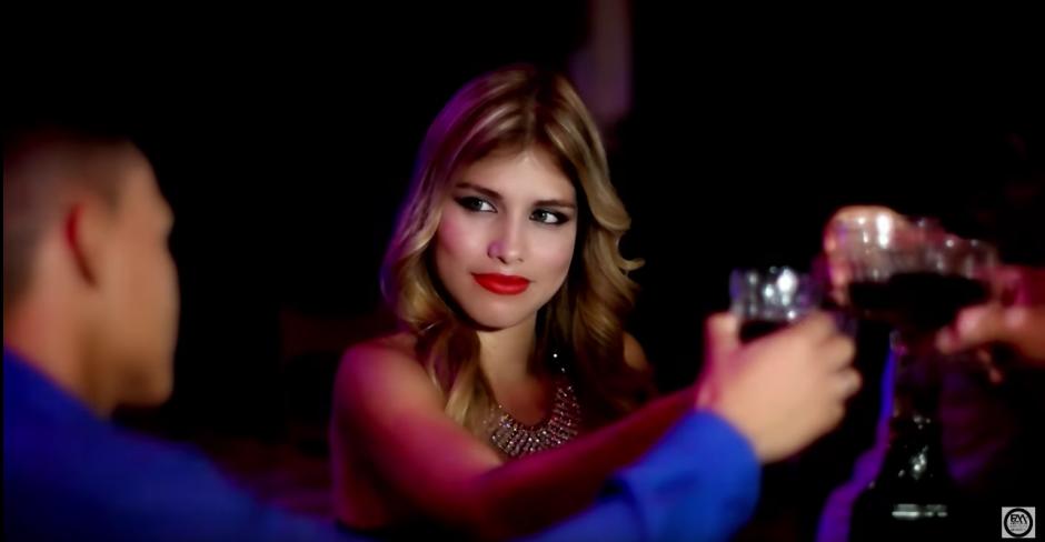 Stephanie Magón Ramírez era una modelo colombiana que se encontraba en México cumpliendo con varios contratos. (Captura de pantalla: El Andariego Music JCH/YouTube)