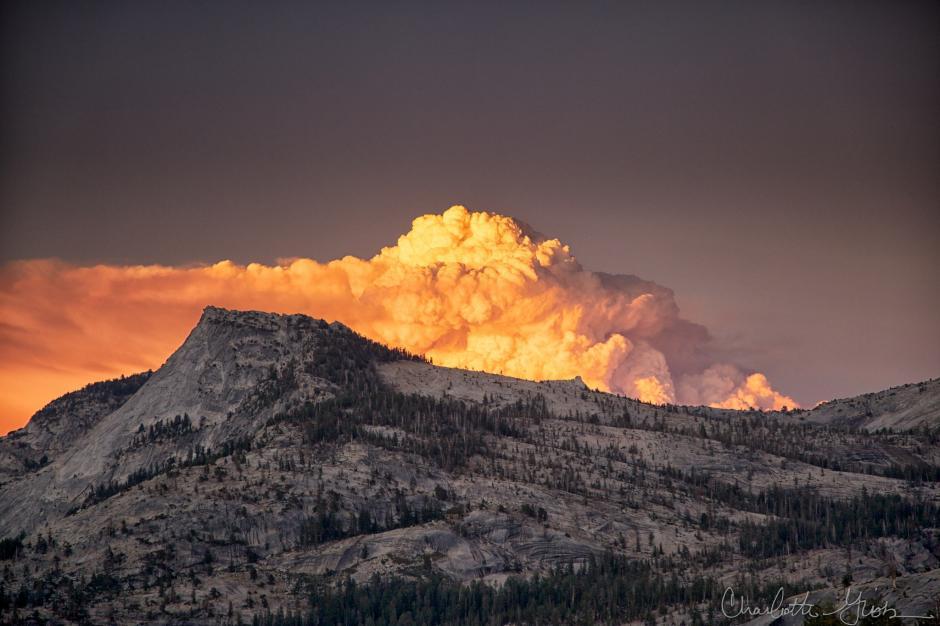 Las cascadas de fuego se producen cuando la luz del sol se refleja sobre el agua. (Foto: charlottegibbblog.com)