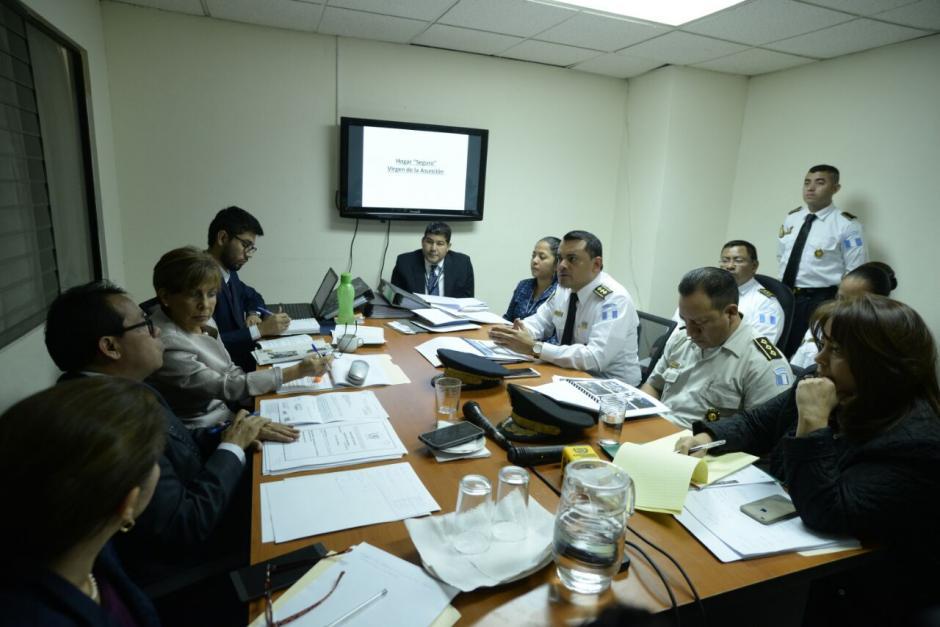 Las autoridades asistieron a una citación con la bancada Encuentro por Guatemala. (Foto: Wilder López/Soy502)