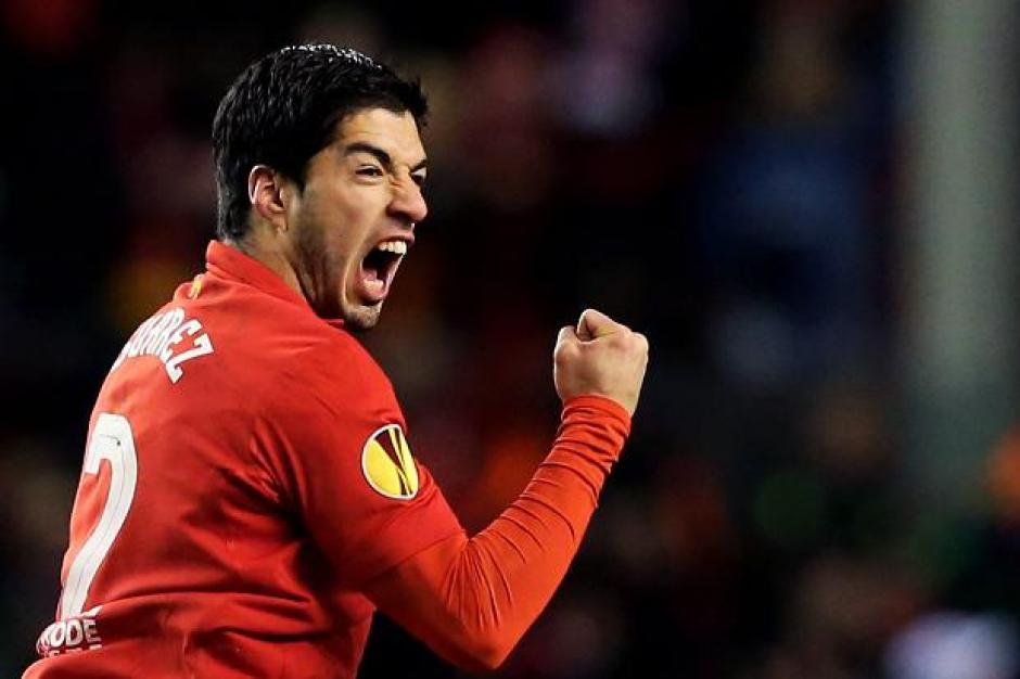 Su buen rendimiento en la Premier League ha valido para que el uruguayo Luis Suárez esté dentro de este selecto grupo de jugadores. (Foto: EFE)