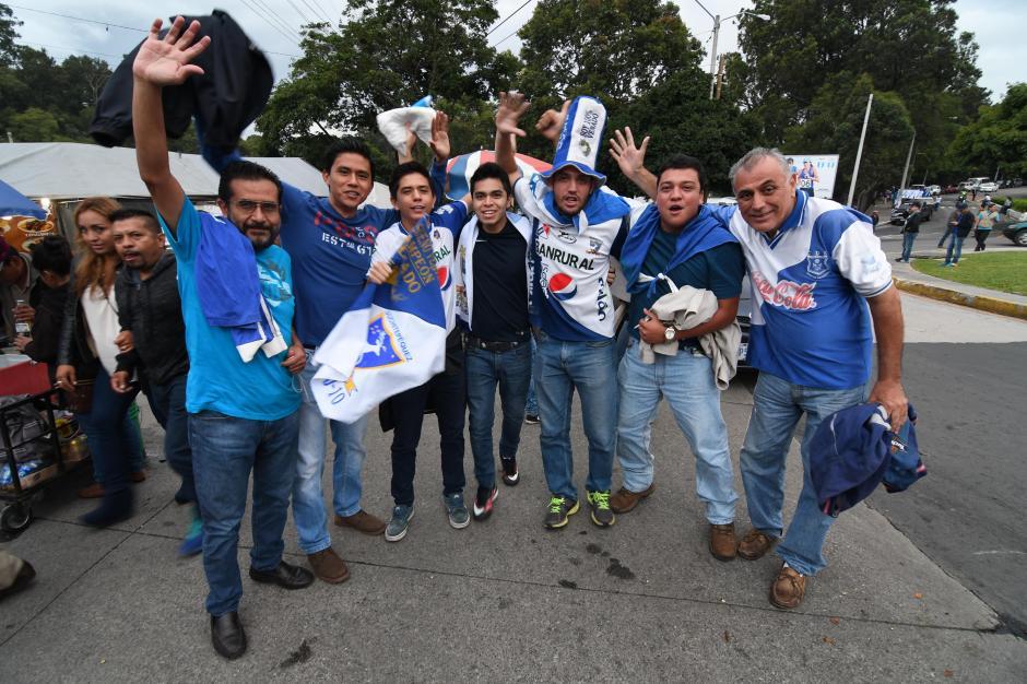 La afición venada llegó al coloso de la zona 5 para apoyar al campeón nacional. (Foto: Byron de la Cruz)