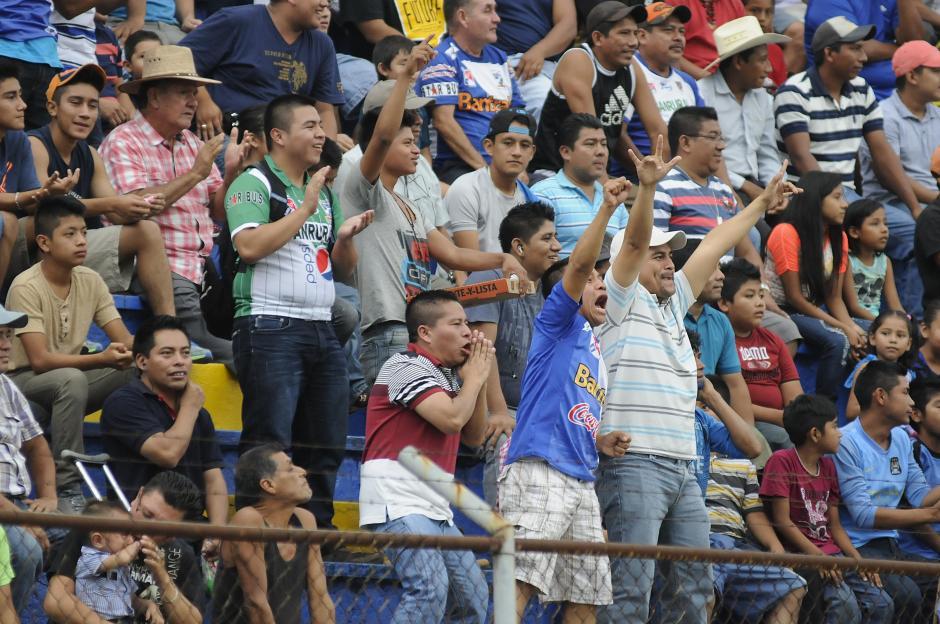 Dos veces pudieron festejar los aficionados mazatecos en el estadio Carlos Salazar. (Foto: Orlando Chile/Nuestro Diario)