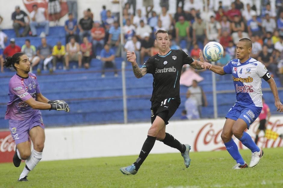 El argentino, Emiliano López, también jugó ante su exequipo. (Foto: Orlando Chile/Nuestro Diario)