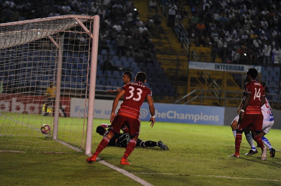 A pesar de recibir dos goles, el FC Dallas logró controlar el juego. (Foto: Sergio Muñoz/Nuestro Diario)