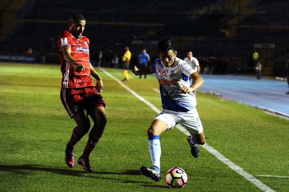 A pesar del esfuerzo, el campeón nacional no pudo conseguir su objetivo. (Foto: Sergio Muñoz/Nuestro Diario)