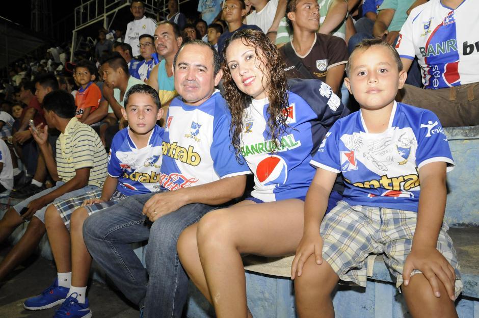 La afición mazateca acompañó a su equipo en el estado Carlos Salazar hijo de Mazatenango. (Foto: Nuestro Diario)