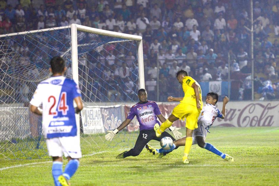 El Deportivo Guastatoya se lleva un empate importante de cancha de Suchi. (Foto: Nuestro Diario)
