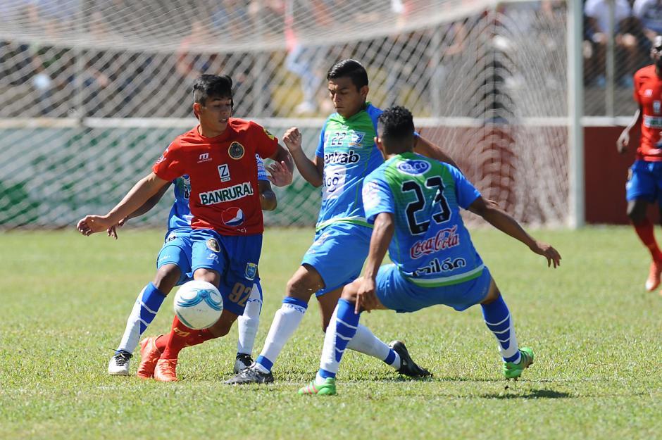 El juego se celebró en el estadio Israel Barrios de Coatepeque. (Foto: Nuestro Diario)