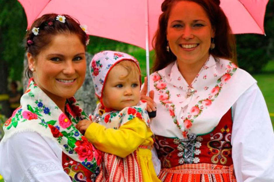 Una exposición de trajes típicos del país europeo está abierta en Museo Ixchel. (Foto: traje típico)