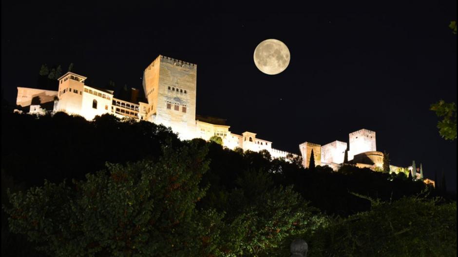 Espectacular imagen captada por un usuario de Twitter en Granada, España. (Foto: Twitter/@@joosearodriguez