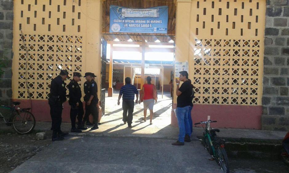 En San Antonio Suchitepéquez, también se elige este día a las autoridades municipales, por lo que los centros electorales son resguardados por las fuerzas de seguridad.(Foto: Cortesía de Nuestro Diario)