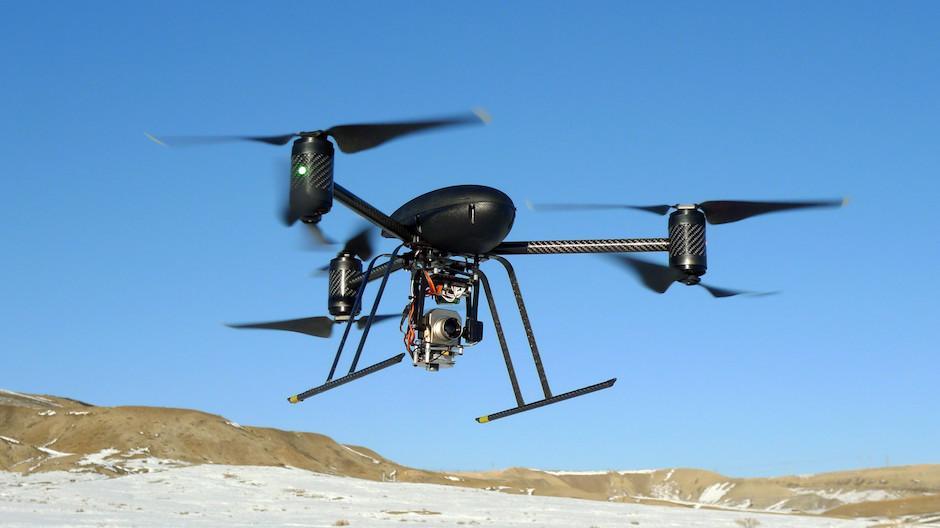 Los drones reducen la necesidad de humanos para realizar tareas peligrosas. (Foto: adslzone.net)