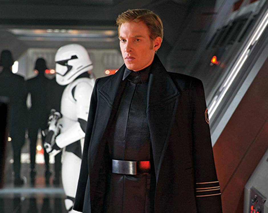 Domhnall Gleeson interpreta al general Hux, un cruel líder de La Primera Orden. (Foto Entertainment Weekly)