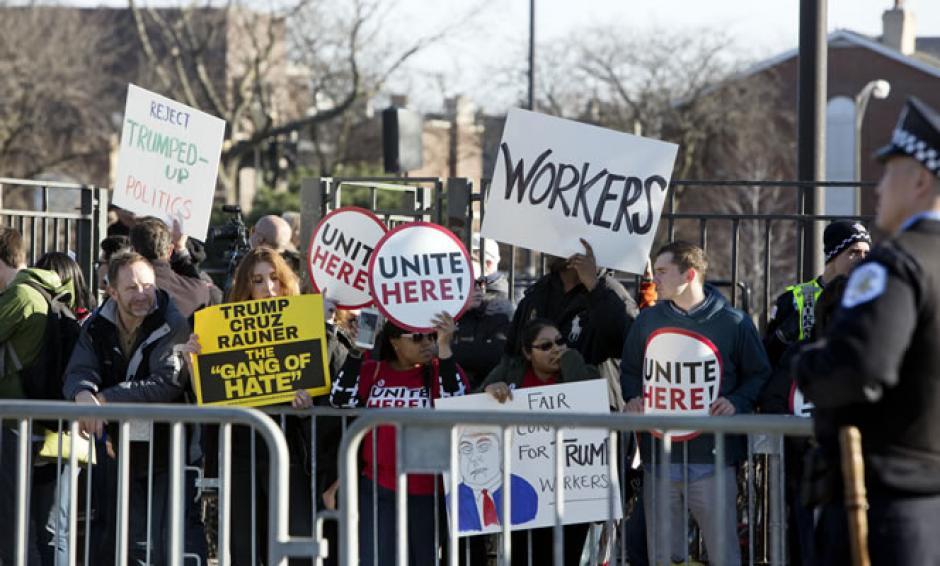 Lo que se pretendía ser una manifestación pacífica, terminó siendo violenta. (Foto: CNN)