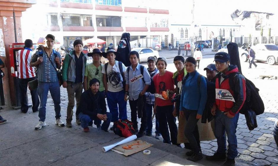 Un grupo de jóvenes universitarios buscará recorrer 320 kilómetros como una modalidad de protesta. (Foto FacebookSharolina Villalta)