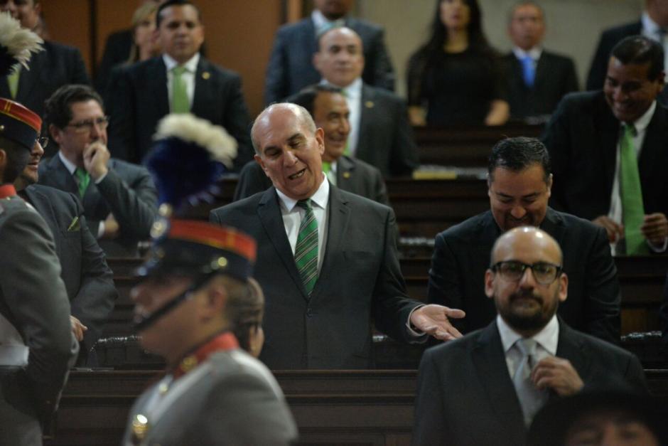 El diputado Mario Taracena salió del Congreso antes del informe de Jimmy. (Foto: Wilder López/Soy502)
