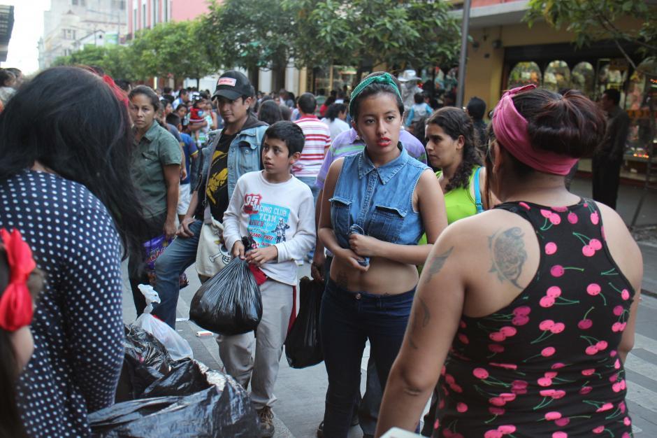 La comunidad Belle Dolls from Hell no tiene reparo en mostrar sus tatuajes. (Foto: José Dávila/Soy502)