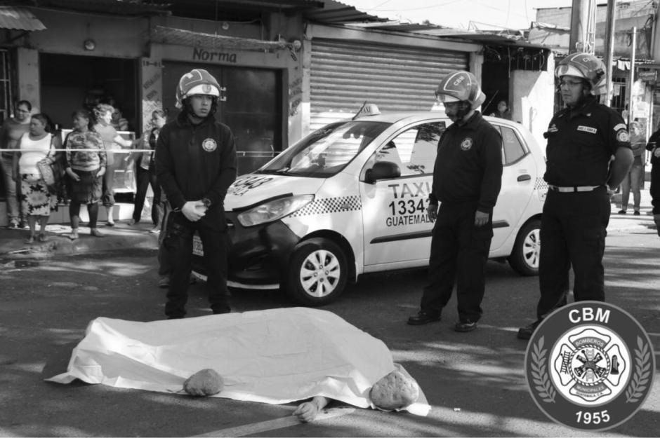 Otro taxista murió en un ataque armado en la 12 calle y 19 avenida de la colonia El Paraíso I, zona 18.  (Foto: @bomberosmuni)