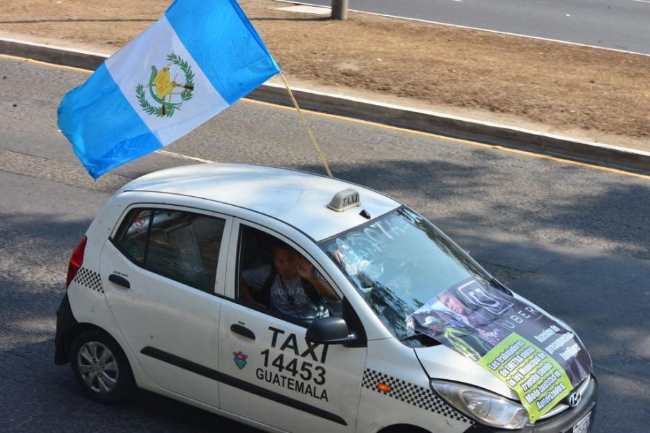Los pilotos protestaron en contra del servicio de Uber. (Foto: Jesús Alfonso/Soy502)
