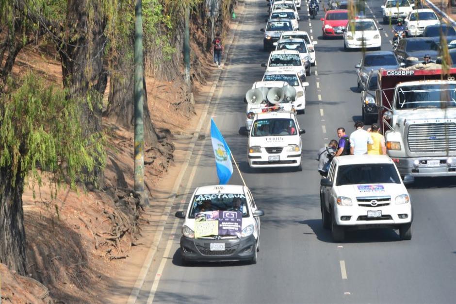Los taxistas se dirigen hacia el Centro Histórico capitalino.  (Foto: Jesús Alfonso/Soy502)