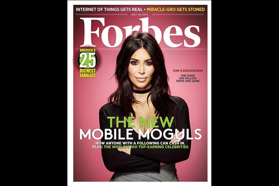 Kim aparece en la portada de la revista, pero se encuentra en el puesto 42. (Foto: Forbes)