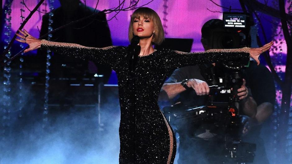 Taylor Swift inauguró la 58 entrega de los Grammy. (Foto: The Grammys)