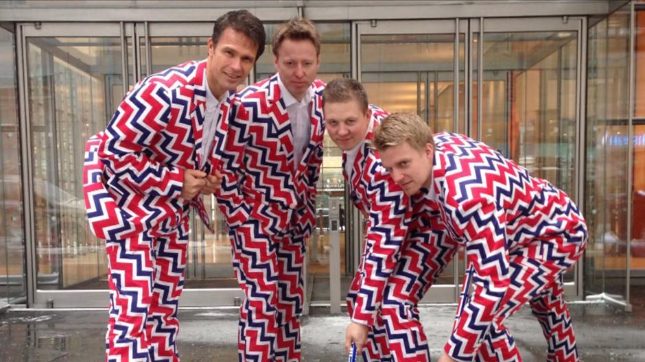 Si de vistosidad se trata, el uniforme de Noruega, ha llamado bastante la atención por sus vibrantes colores. El diseño estuvo a cargo de la marca Loudmouth Clothing Company. Foto AFP