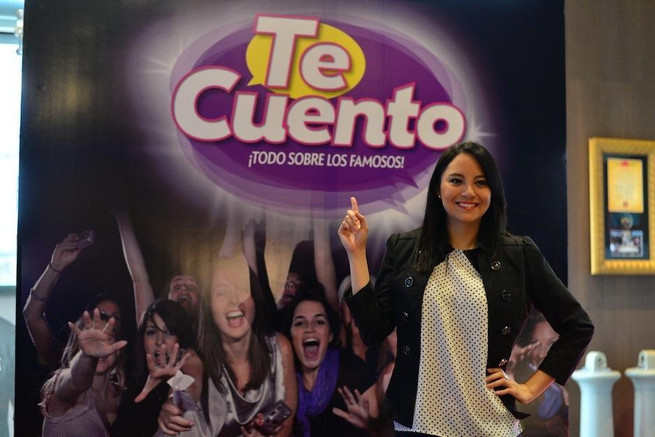 """kim Lou, interrumpió su celebración de disco nuevo, para asistir al lanzamiento de """"Te Cuento"""". (Foto: Wilder López/Soy502)"""