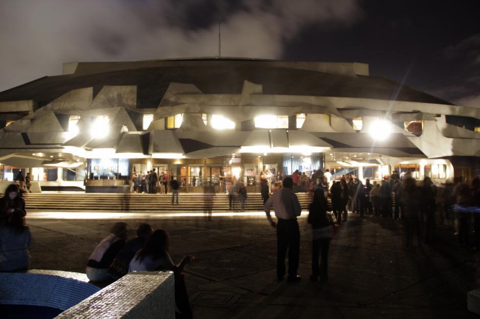 La gran sala Efraín Recinos fue testigo del recital musical. (Foto: Fredy Hernández/Soy502)