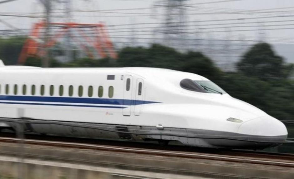 El tren bala de Japón puede alcanzar una velocidad de 285 kilómetros por hora. (Foto: telesurtv,net)