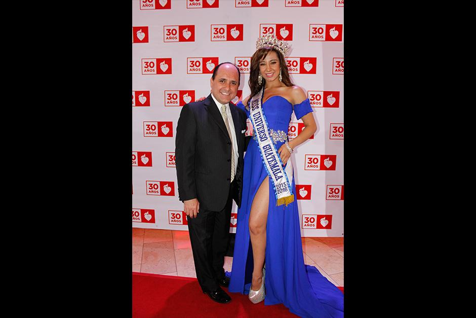 Miss Guatemala y Luis Pellecer en la alfombra roja de Teletón. (Foto: Stanley Herrarte/Nuestro Diario)