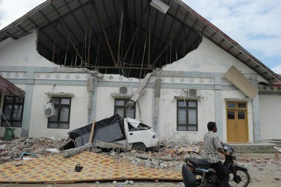 Un poderoso terremoto sacudió la isla de Sumatra en Indonesia. (Foto: AFP)