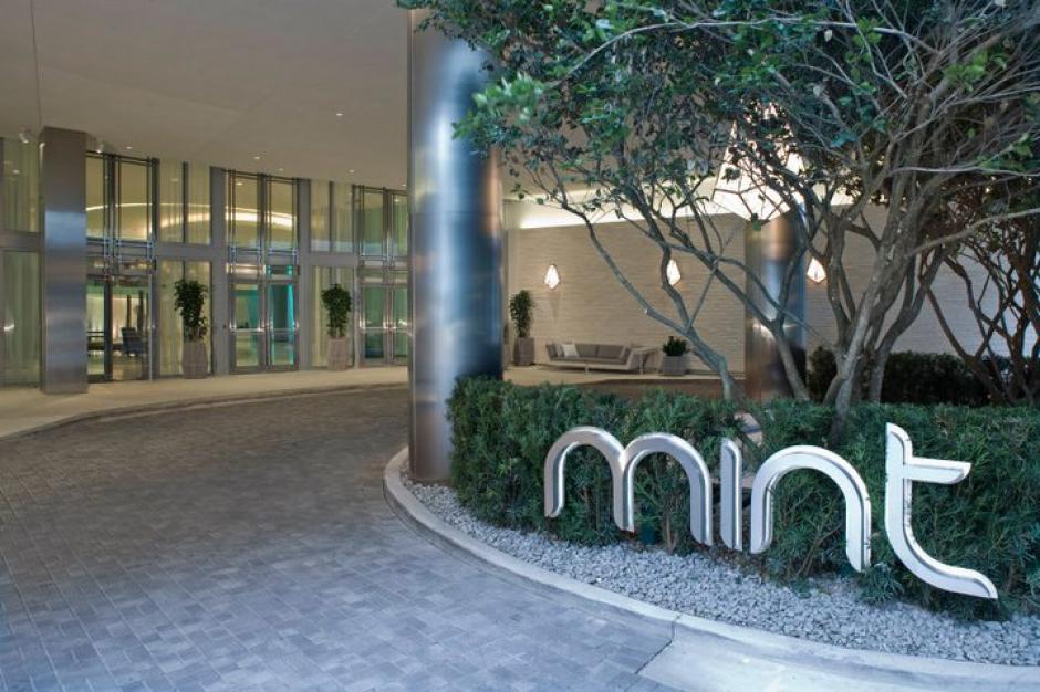El inmueble está ubicado en una exclusiva zona de condominios del centro de Miami. (Mint at Riverfront/Facebook)