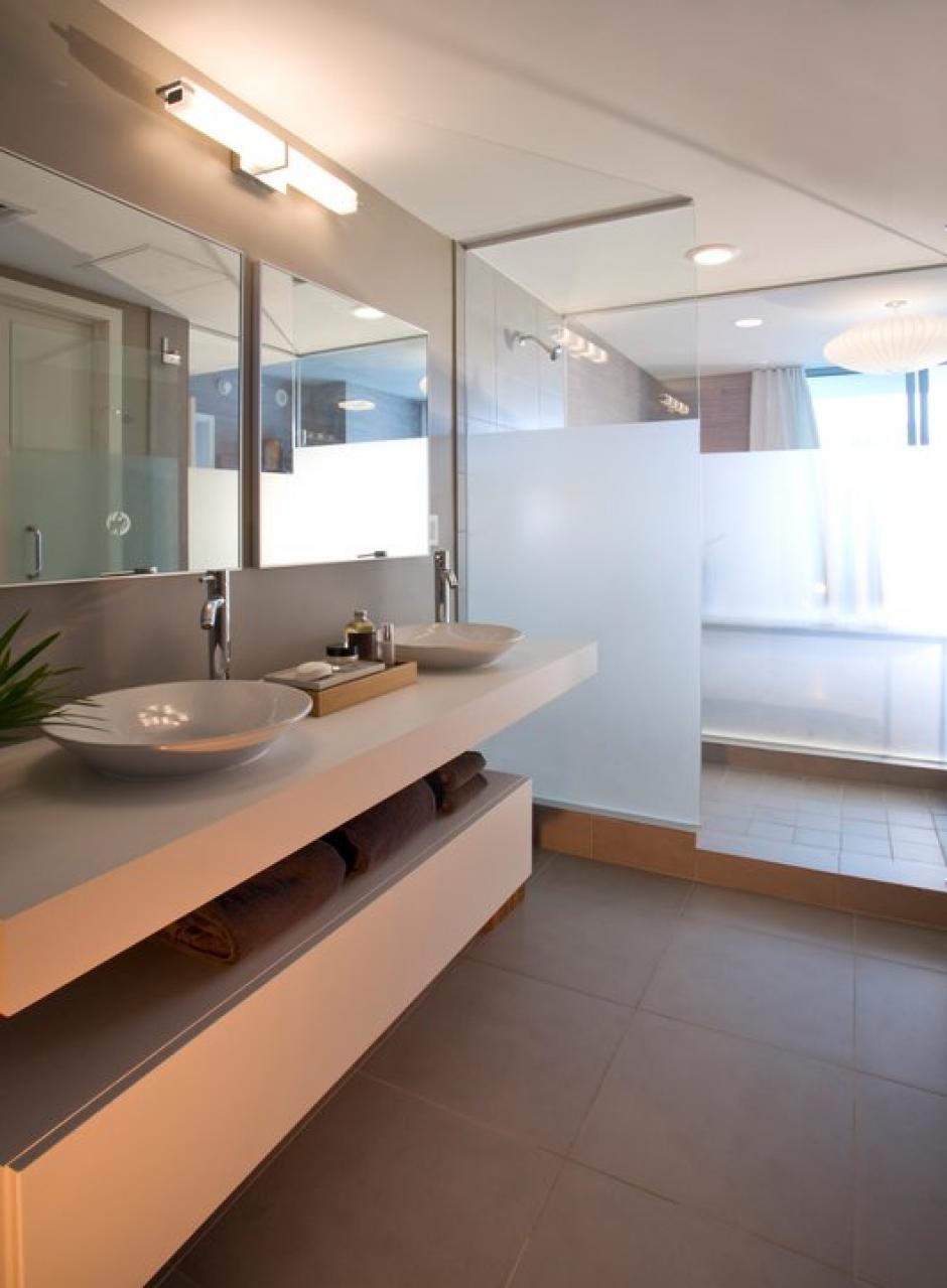 Cada apartamento tiene tres baños. (Mint at Riverfront/Facebook)