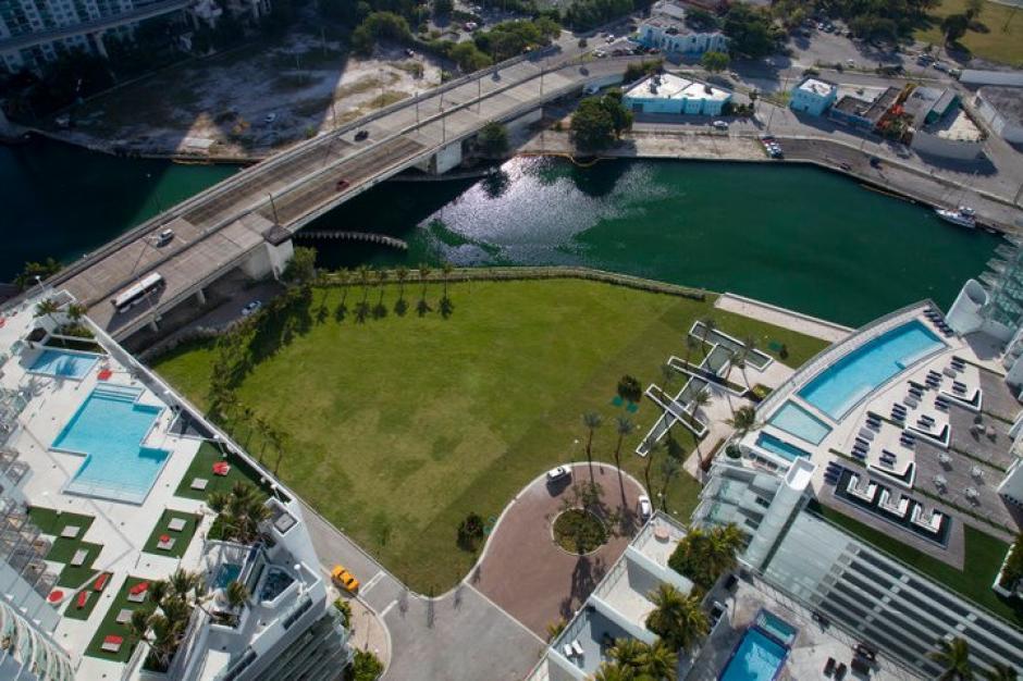 Los apartamentos tienen vista al río Miami y a la bahía Biscayne. (Mint at Riverfront/Facebook)