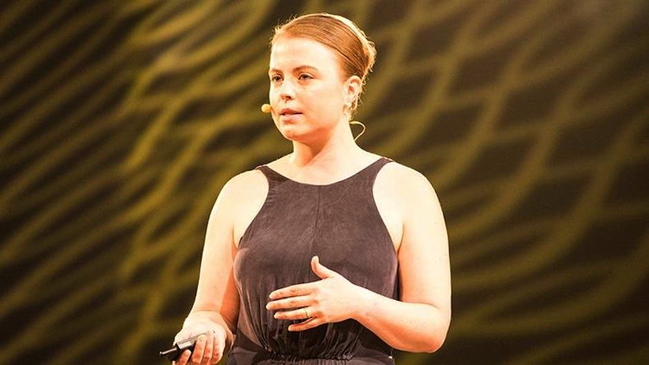 Julia Römer presentó el refrigerador móvil que no requiere batería y ayuda a los doctores a preservar las medicinas. (Foto: The Venture)