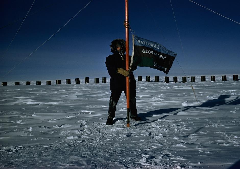 Thomas Abercrombie, de la revista National Geographic, es el primer corresponsal en llegar al Polo Sur en 1957. (Foto: Memoriando Fotografía)