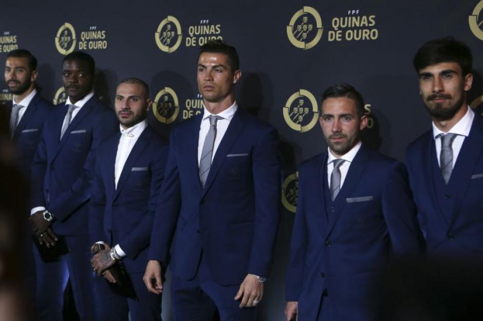 CR7 y sus compañeros de la Selección de Portugal fueron galardonados. (Foto: Twitter)