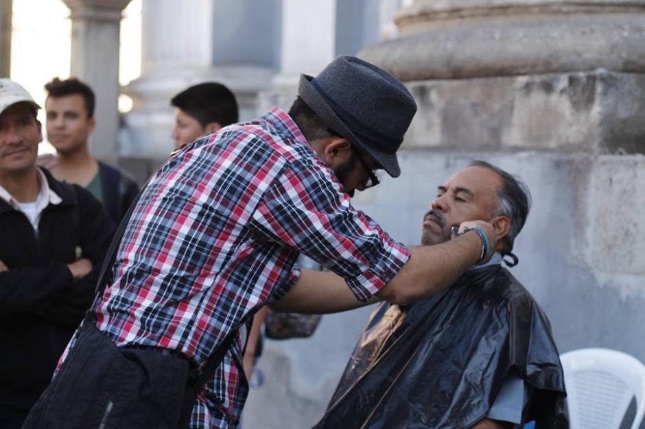 En el evento se ofrecen cortes de cabello y barba. (Foto: Facebook/Street Store)
