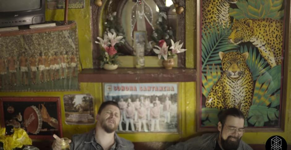 El clip fue grabado en el bar El Olvido. (Foto: captura de pantalla)
