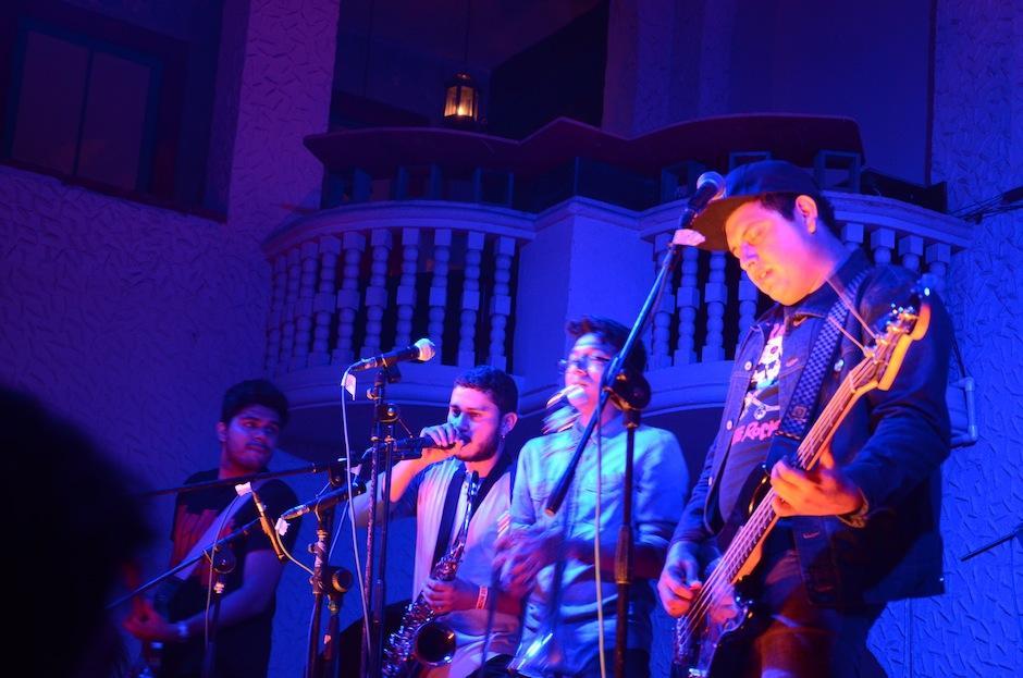 """Los """"Tomatos"""" lanzaron su EP, """"La Gran Mudanza"""", el viernes pasado en El Gran Hotel, junto a amigos y fanáticos. (Foto: Selene Mejía/Soy502)"""