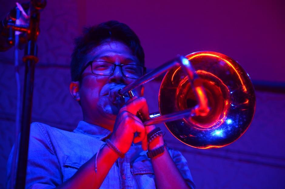 Cada uno de los instrumentos agrega una mezcla muy particular a las canciones. (Foto: Selene Mejía/Soy502)
