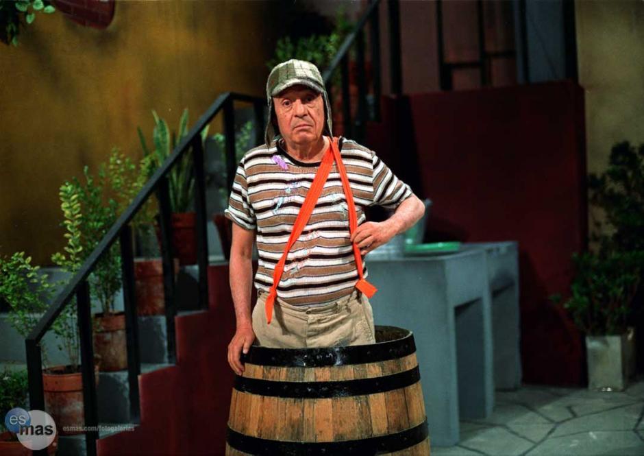 """""""El Chavito"""" se refugiaba en su barril cuando estaba triste o tenía miedo. (Foto: Twitter)"""
